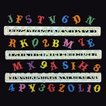 Ensemble emporte-pièces carnaval alphabet & chiffre