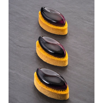 Oval en acier micro perforé - En collaboration avec Gianluca Fusto