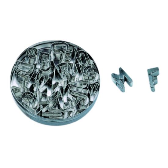 Boite de Découpoirs Lettres fer blanc - longueur 2.5cm
